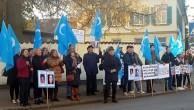 UYGUR TÜRKLERİ ALMANYA'DA İŞGALCI ÇİN'İ   PROTESTO ETTİLER